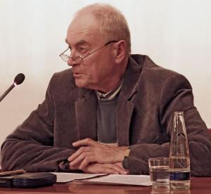 Foto: Sigi Müller bei seiner Jahresabschlussrede
