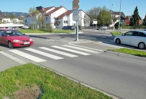 In Lindau gibt's Zebrastreifen auch am Kreisverkehr