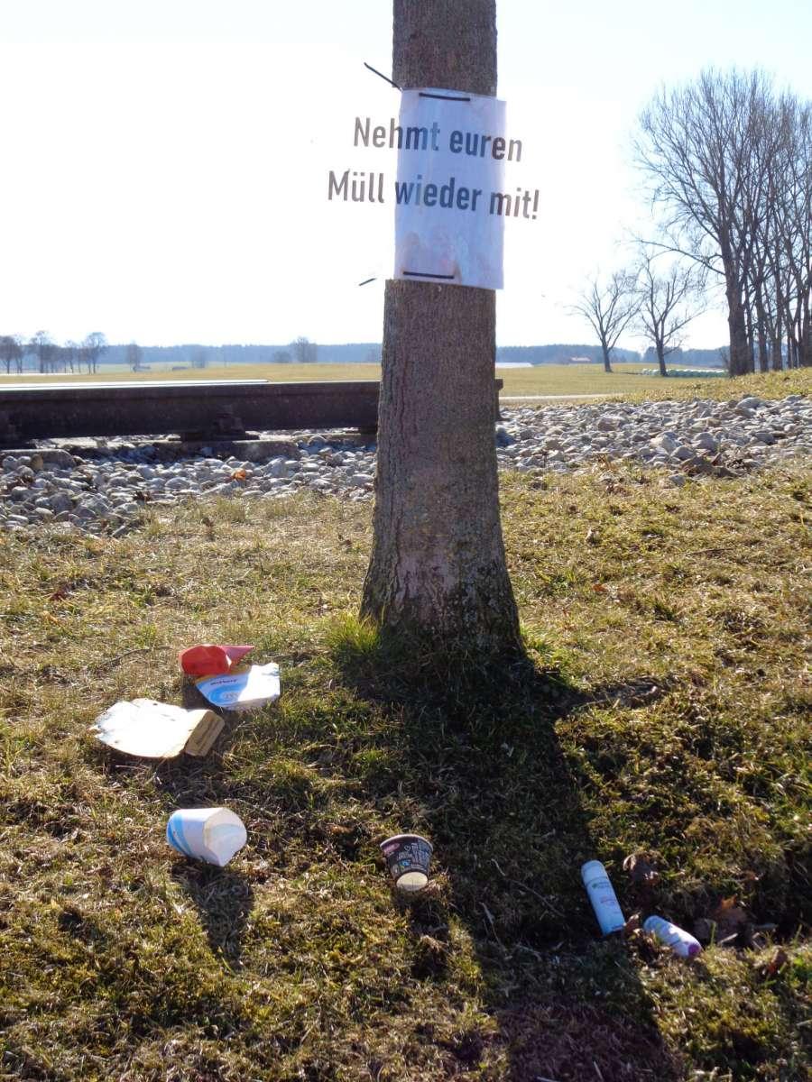 Müll am  Sachsenrieder Bähnle