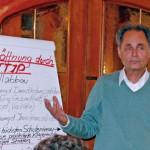 Foto: Referent Henning Hintze bei seinem Vortrag